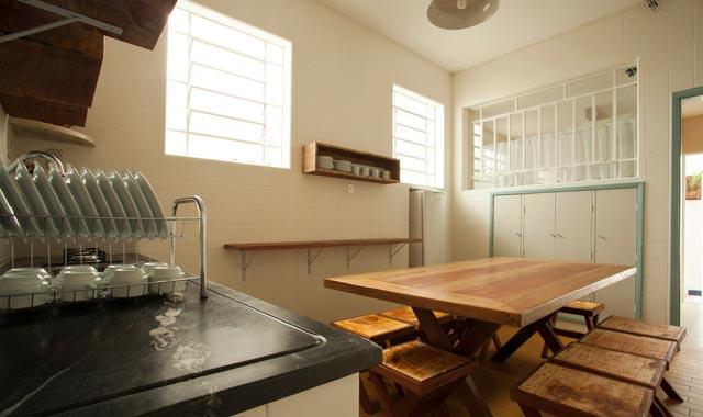 Cozinha compartilhada do Hostel