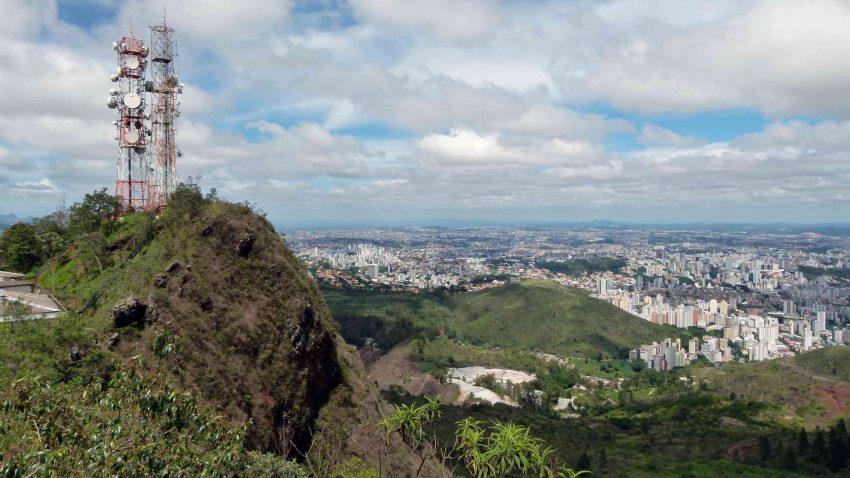 (Português) Viagem a BH: o guia roots do mochileiro das alterosas